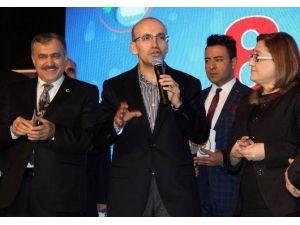 Başbakan Yardımcısı Mehmet Şimşek'ten Fıkralı Vergi Göndermesi
