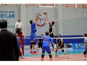 Palandöken Belediyespor Voleybol Takımı 7 Maçtır Yenilmiyor