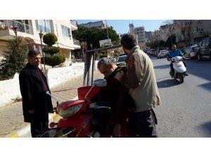 Engelli Vatandaşı Ölüm Motorun Üzerinde Yakaladı