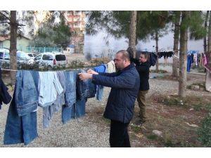 Kızıltepe'de Askıda Elbise Kampanyası Başlatıldı