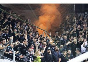 Pınar Karşıyaka - Beşiktaş Sompo Japan Maçında Olaylar Çıktı