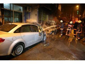 Beyoğlu'nda 6 araç kundaklandı