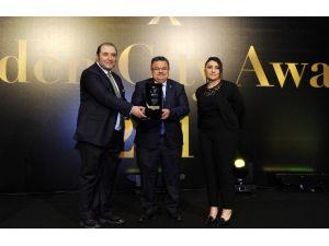 En Başarılı İl Belediye Başkanı Ödülü Bilecik Belediye Başkanı Selim Yağcı'ya