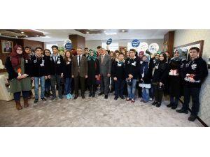 """Başkan Karaosmanoğlu, """"Gençlerimizin Yeteneklerini Keşfetmeliyiz"""""""