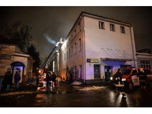 Moskova'da çıkan yangında 12 kişi hayatını kaybetti