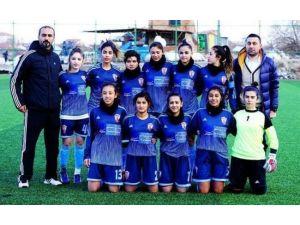 Malatya Bayanlar Spor Kulübü Farklı Kazandı