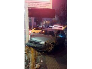 Başkent'te Nefes Kesen Kovalamaca Kazayla Bitti