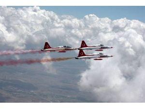 Türk Yıldızları 261 Şehidimiz İçin Uçacak