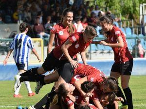 Paşa'nın Kadınları Adana'dan Üç Puanla Döndü