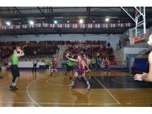 Basketbolda Galibiyet Serisi Devam Ediyor