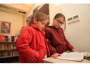 Buca'da Vatandaşların İstediği Kitap Bir Tık Uzağında