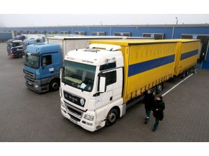 Rus TIR'larının Türkiye'den transit geçişine izin yok
