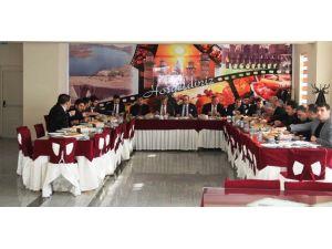 Vali Çınar, STK temsilcileriyle bir araya geldi