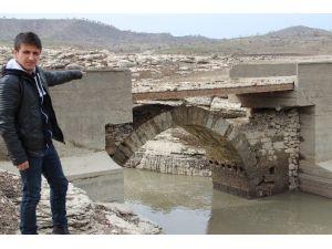 Tarihi Köprü İlgi Bekliyor