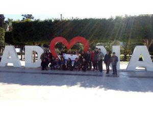 Atletik Adana Spor Kulübü Sporcuları İle Romanyalı Gençler Bir Araya Geldi
