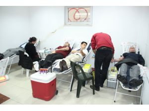 Belediye ve Kızılay'dan kan bağışı