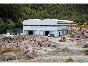 Taş fabrikası köyden kente göçü tersine çevirdi