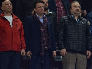 Hekimoğlu Trabzonspor Maçını Volkan Konak'la İzledi