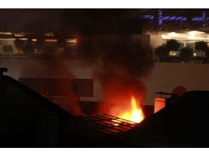 HDP Antalya İl Başkanlığı'nın Deposunda Yangın