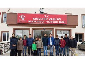 Gençlik Merkezi Kur'anı Kerim Kulübü Üyeleri Huzurevini Ziyaret Etti
