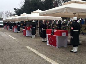 Şehitler İçin Cenaze Töreni Düzenleniyor