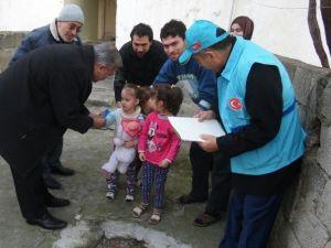 Diyanet Vakfı, 500 Türkmen Aileye Alışveriş Yardım Kartı Dağıttı