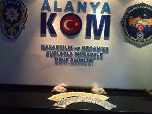Alanya'da 1 Kilogram Eroin Ele Geçirildi