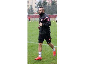 Adanasporlu Oğuzhan Türk İlk İdmanına Çıktı