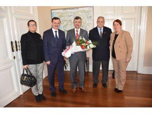 Vali Bektaş CHP Şehzadeler İlçe Teşkilatını Ağırladı