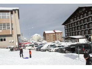 Uludağ'a sömestr tatilinde 19 bin araç giriş yaptı