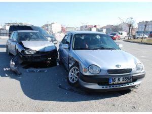 Kapaklı'da Trafik Kazası Ucuz Atlatıldı