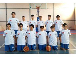 Foça'nın Küçük Basketbolcuları İlk Sınavına Çıkıyor