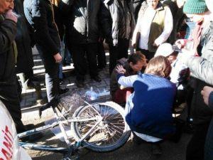 Kamyonet Bisiklete Çarptı: 1 Yaralı