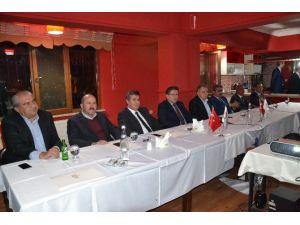 Nto, İlçe Belediye Başkanlarıyla Bir Araya Geldi