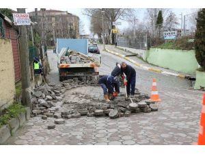 Sapanca'da Parke Taşlı Yollar Onarılıyor