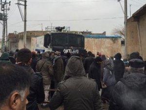Cizre'ye yürümek isteyen HDP'lilere müdahale: 150 gözaltı