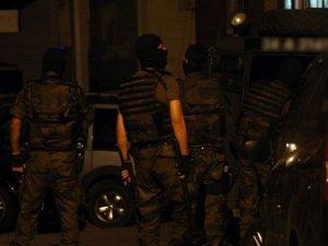 Canlı bomba eylemi hazırlığındaki 2 terörist yakalandı