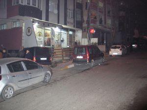 Eyüp'te dernek binasına silahlı saldırı: 4 yaralı