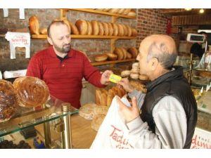 Gıda 41 Kart Sahiplerine Ekmek 1 Lira