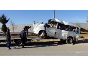 Gaziantep'te İşci Servisi Takla Attı: 12 Yaralı