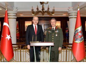 Numan Kurtulmuş, Genelkurmay Başkanı Akar'ı ziyaret etti
