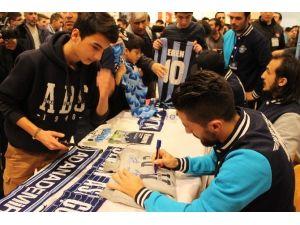 Adana Demirspor'lu Oyunculara İmza Gününde Yoğun İlgi
