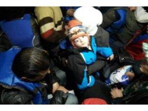 64 Mülteci Sahil Güvenlik Ekipleri Tarafından Kurtarıldı