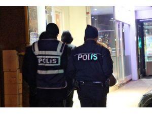 Kırşehir'de çeşitli suçlardan aranan 2 kişi yakalandı