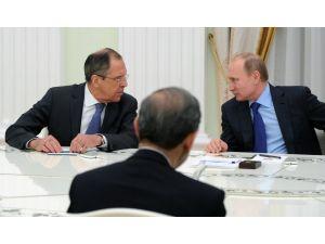 Hamaney'in danışmanı: İran-Rusya-Suriye-Hizbullah ittifakı mümkün