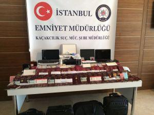 İstanbul'da pasaport operasyonu:: Yüzlerce boş pasaport ele geçirildi