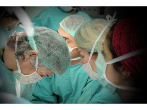 Kol nakli ameliyatının görüntüleri basınla paylaşıldı