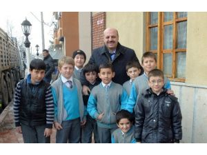 Milletvekili Ercoşkun Bir Yıllık Gençlik Faaliyetlerini Açıkladı
