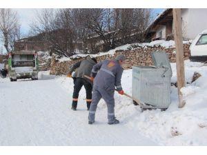 Sivas İl Özel İdaresi 2 Bin Ton Çöp Topladı