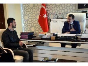 Dünya Şampiyonu Motosikletçi Kenan Sofuoğlu'ndan Başkan Genç'e Ziyaret